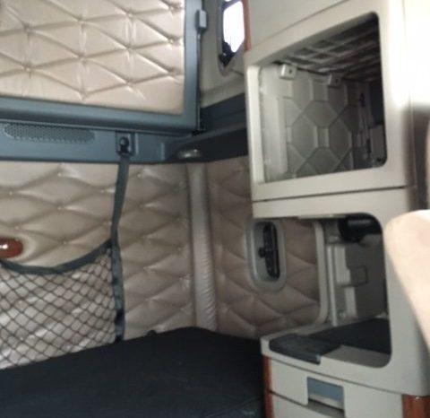 2010 Freightliner Cascadia full