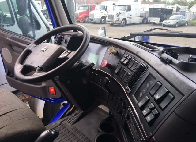 2014 Volvo VNL 670 full