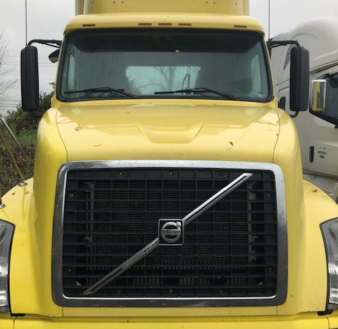 2007 Volvo VNL Day Cab full